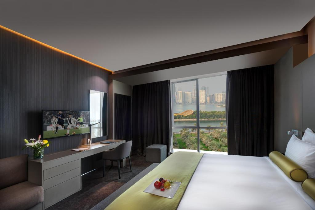 Royal Tulip 72 Hotel, Шарджа, ОАЭ