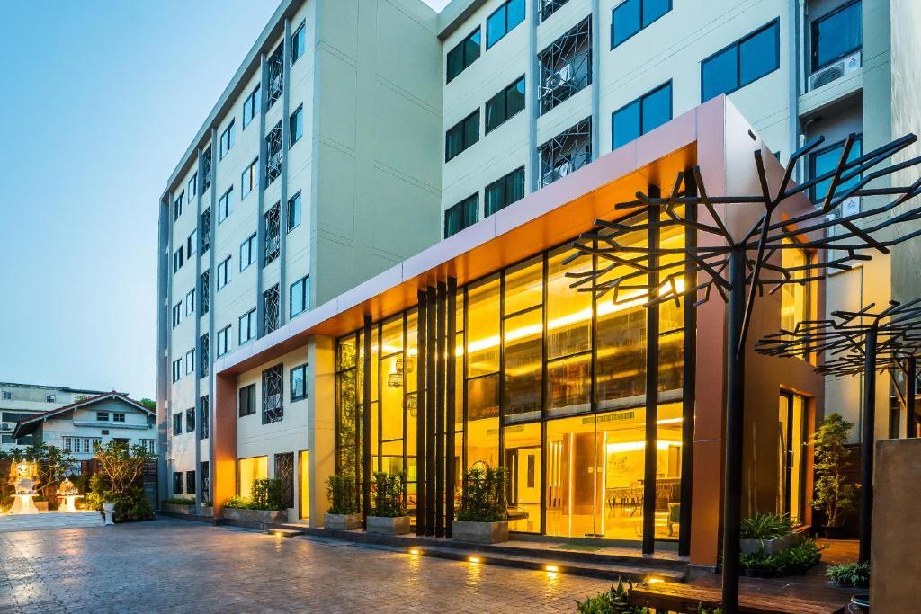 Отель Aim House Bangkok, Бангкок