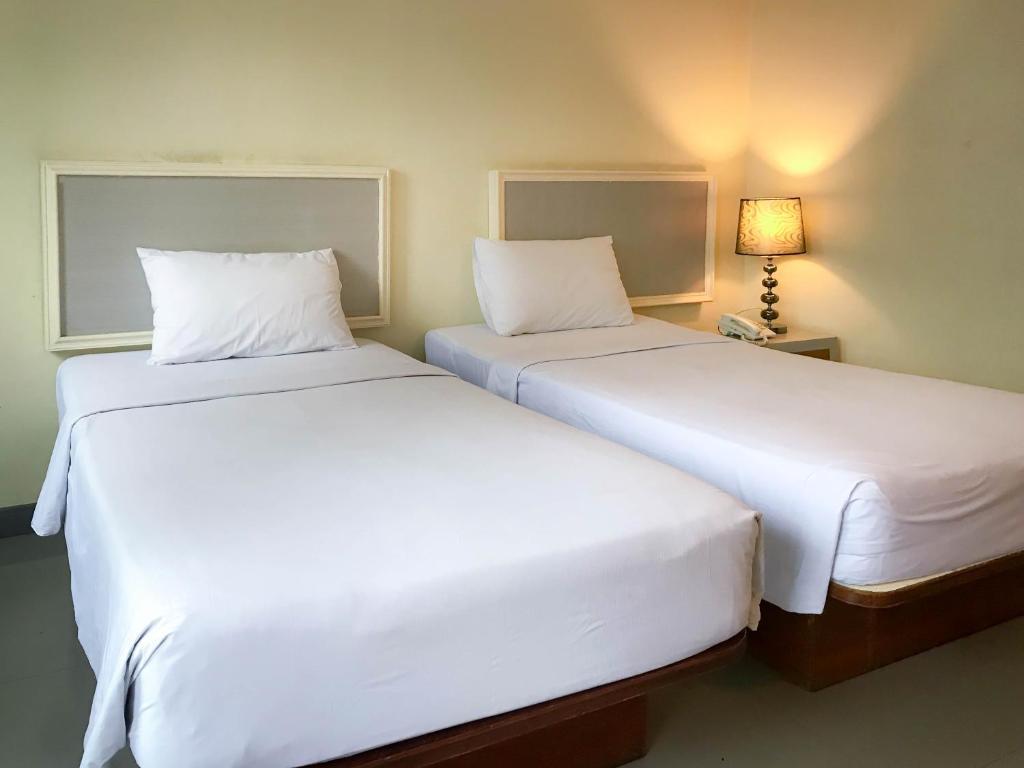 Отель J TWO S Pratunam, Бангкок