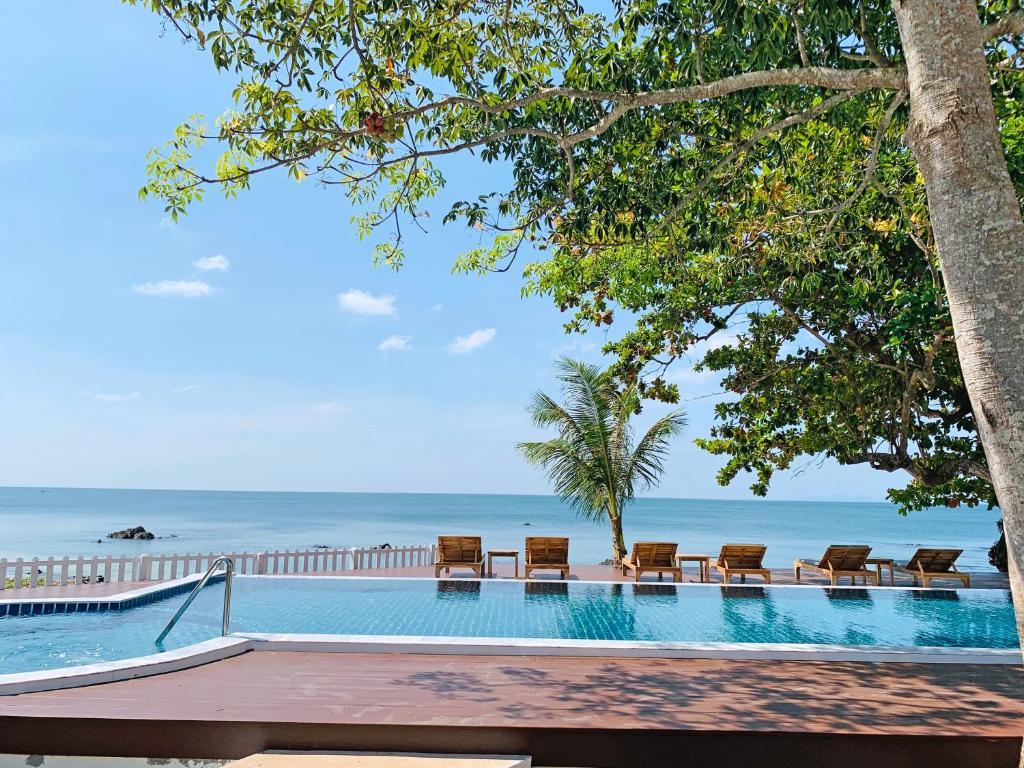 Курортный отель Koh Jum Cliff Beach Resort, Кох-Юм