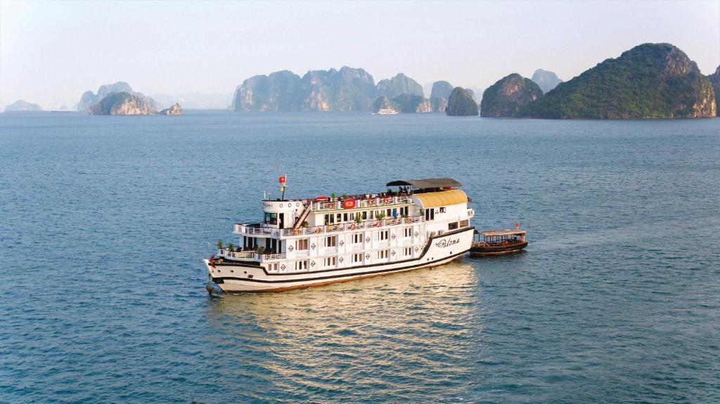 Halong Paloma Cruise, Халонг, Вьетнам