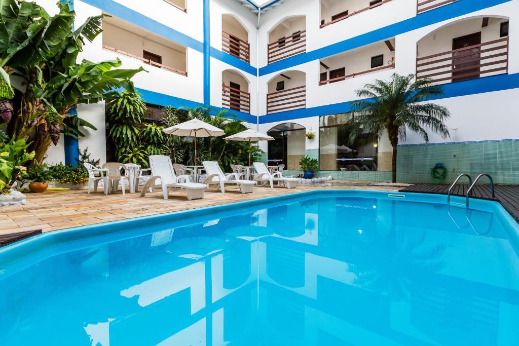 Отель Bombinhas Palace Hotel, Бомбиньяс