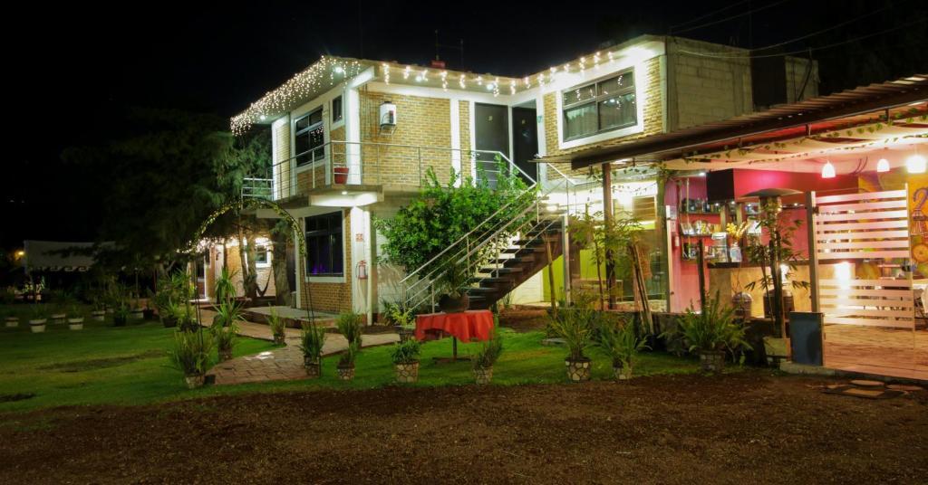 Отель Telpochcalli Hotel & Temazcal, Сан-Хуан-Теотиуакан