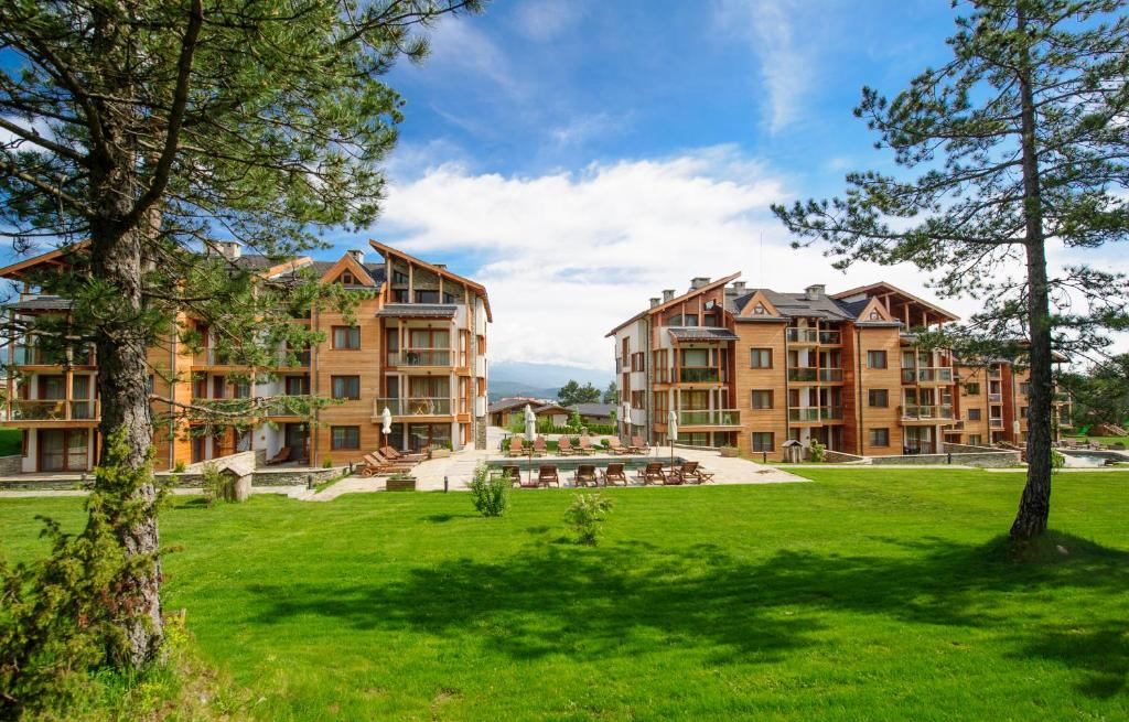 Pirin Golf & Country Club Apartment Complex, Банско