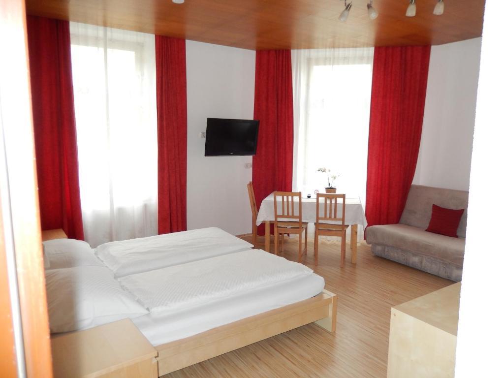 Hotel Garni Wilder Mann, Линц, Австрия