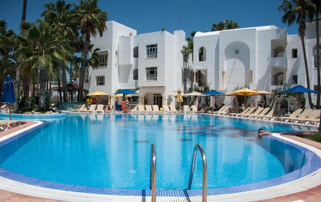 Отель Hotel Nesrine, Хаммамет
