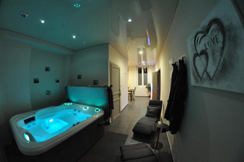 Appartement Studio Tournai, Турне, Бельгия