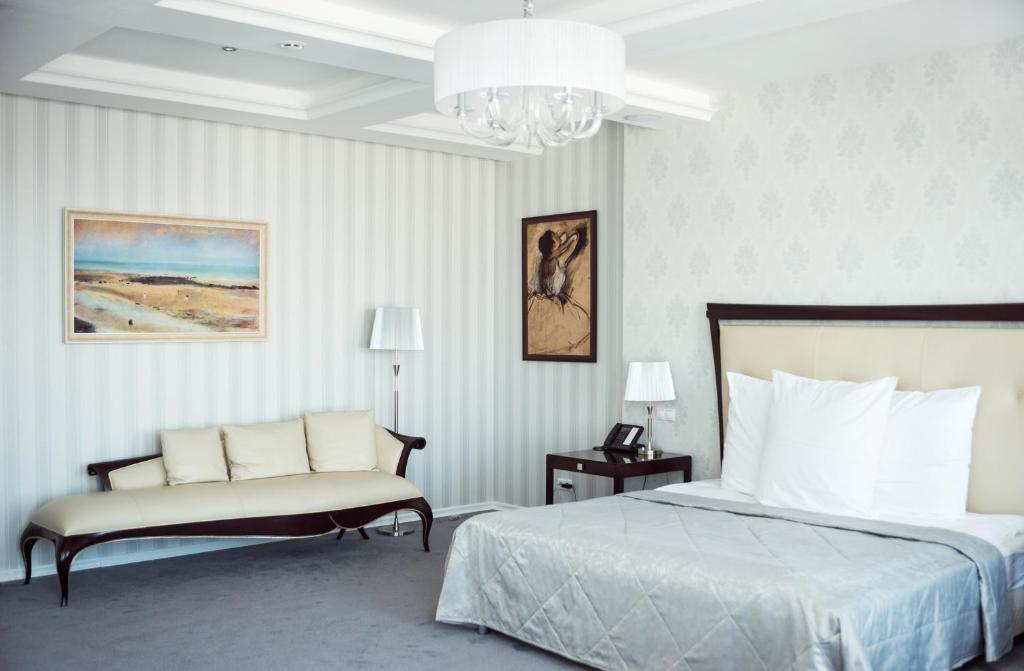 Отель Ost-West Club, Самара