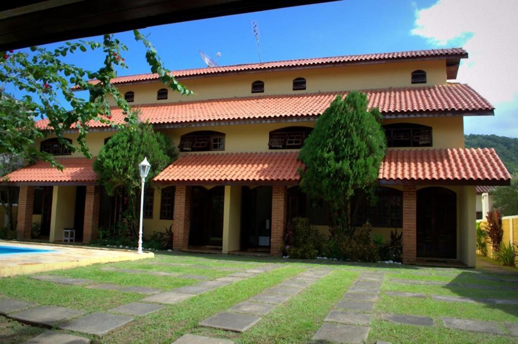 Отель Chalé Massaguaçu, Карагуататуба