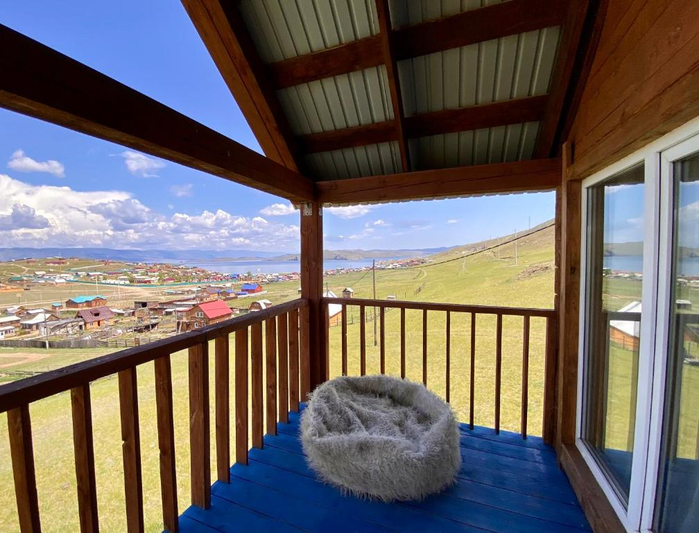 Дом с видом на Байкал, Сахюрта