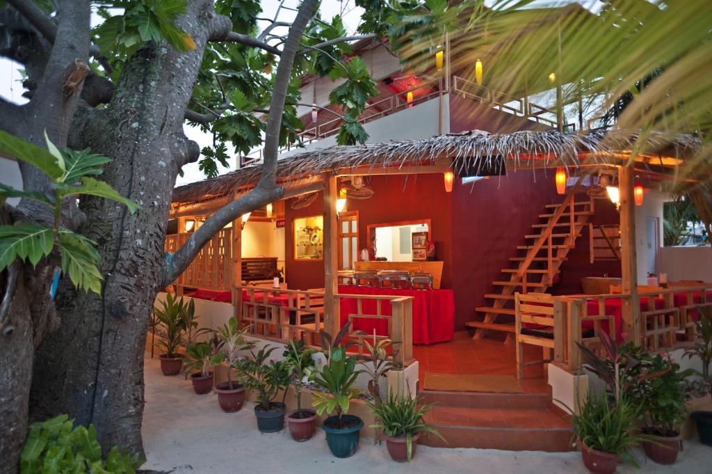 Stingray Beach Inn, Маафуши