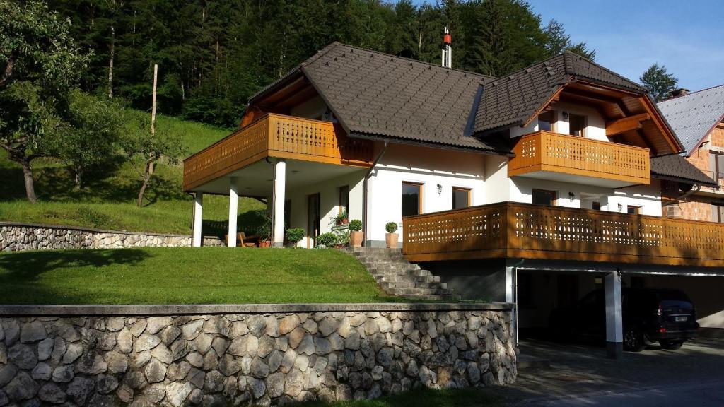 Apartment Brumec, Бохинское озеро, Словения