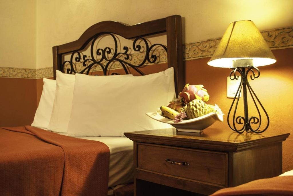 Отель Maya Campeche Hotel, Кампече