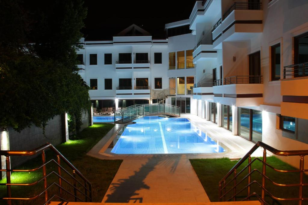 Отель Malahit Exclusive City Hotel, Фетхие