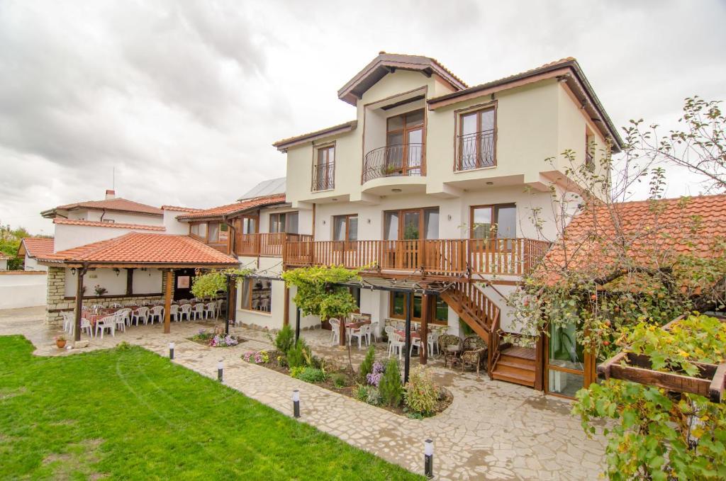 Guest House Villa Elma, Невша