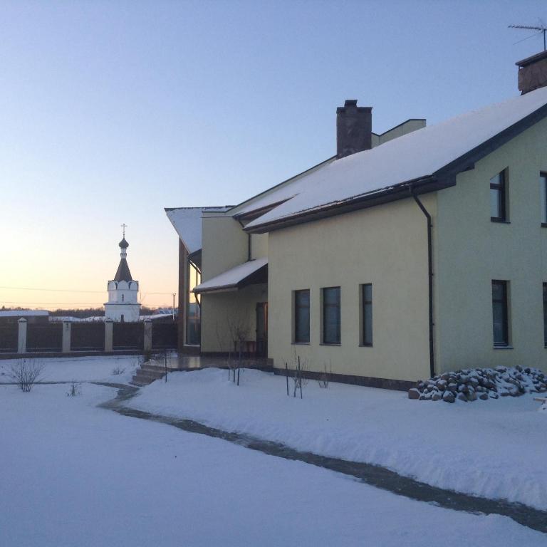 Снять загородный дом в Московской области на выходные