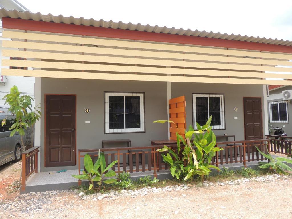Отель Banana Lodge, Кхаулак