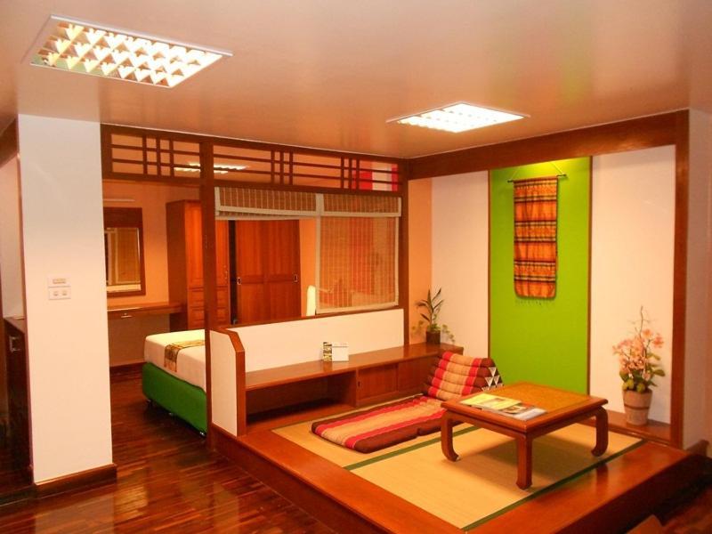 Отель B.S. Court Hotel Sathorn, Бангкок