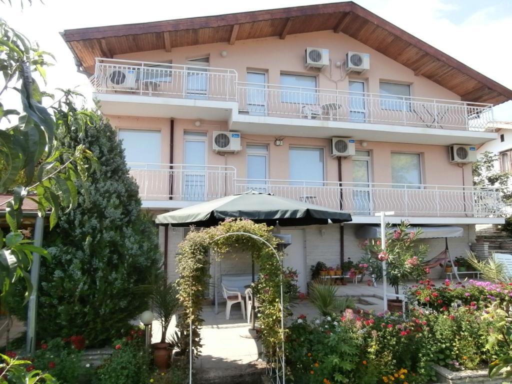 Villa Karina, Балчик, Болгария