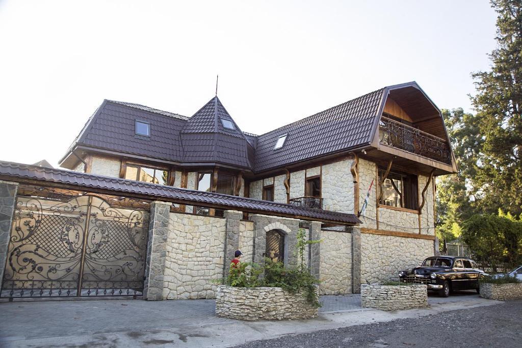 Отель Гостевой Замок, Сухум, Абхазия