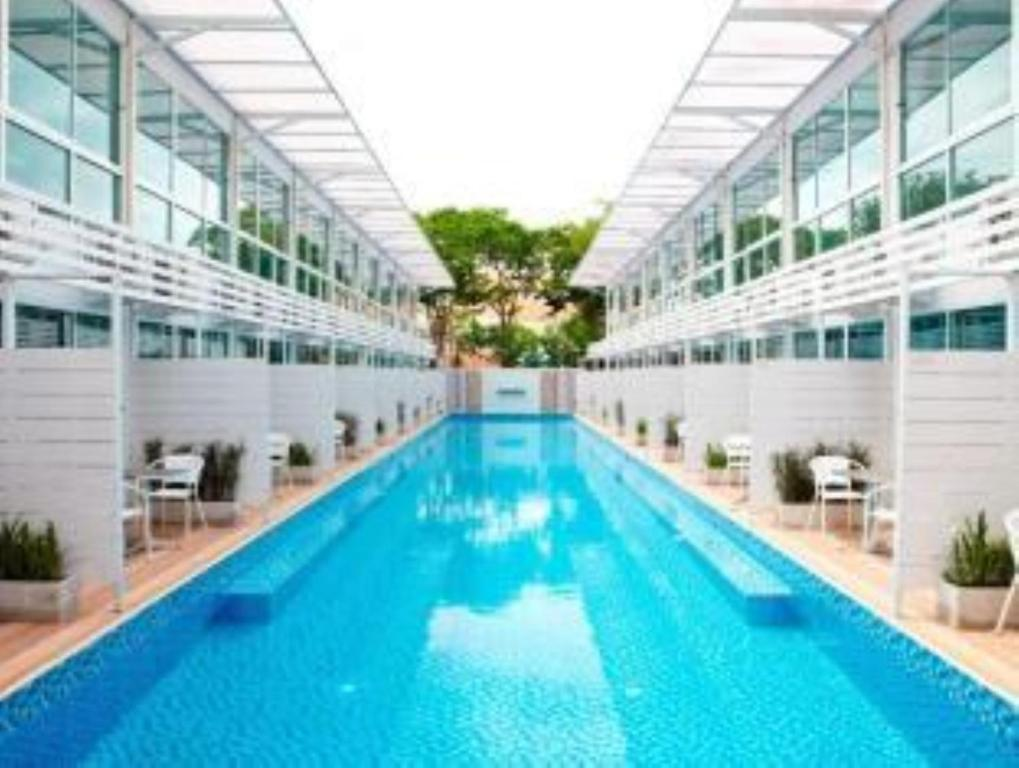 Pool House Serviced Residence