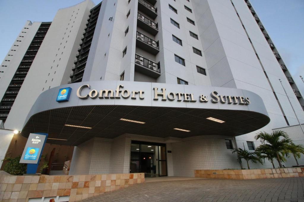 Отель Comfort Hotel & Suites Natal, Натал