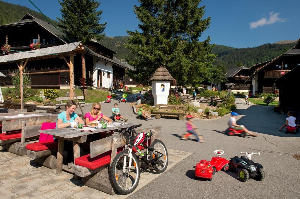 Hotel Kirchleitn Feriendorf Dorf Kleinwild, Бад-Клайнкирхайм, Австрия