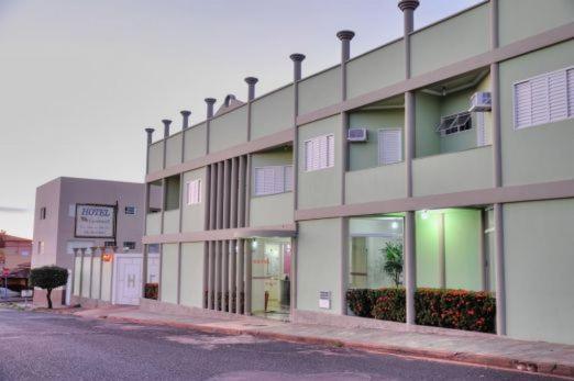 Отель Hotel Carolina 2, Убераба