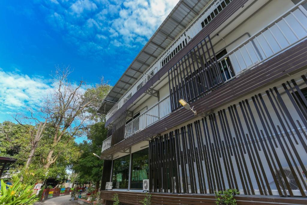 Хостел A Plus Hotel, Ко-Липе