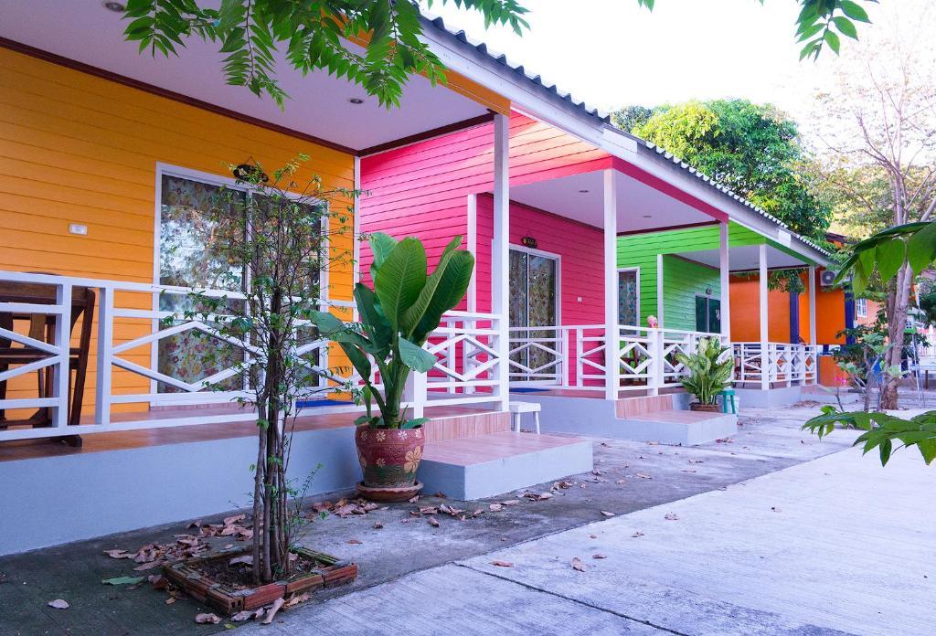 Гостевой дом Sichang Hut, Ко Сичанг