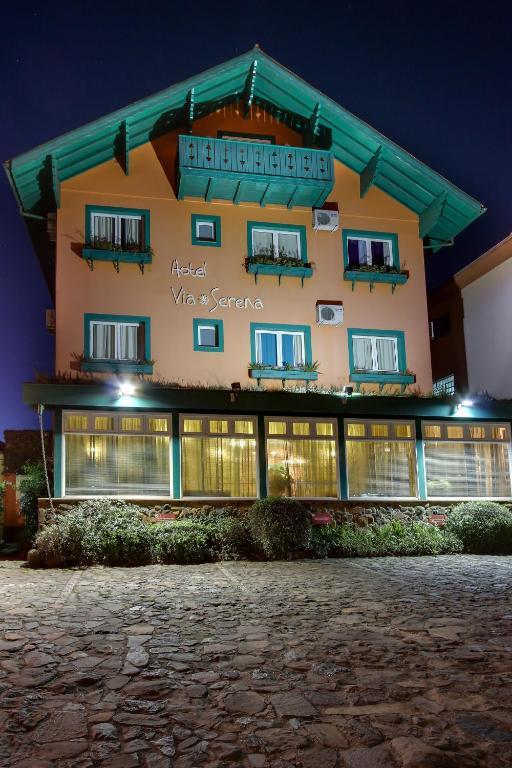 Отель Hotel Via Serena, Грамаду