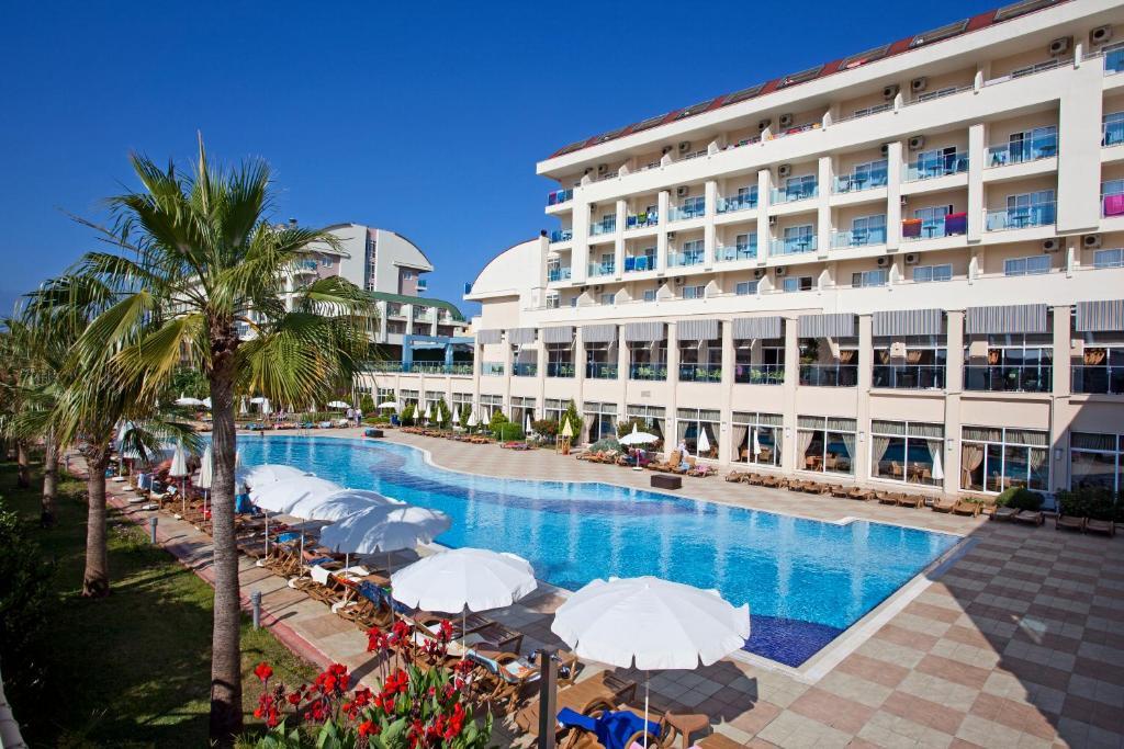 Курортный отель Titan Select, Конаклы