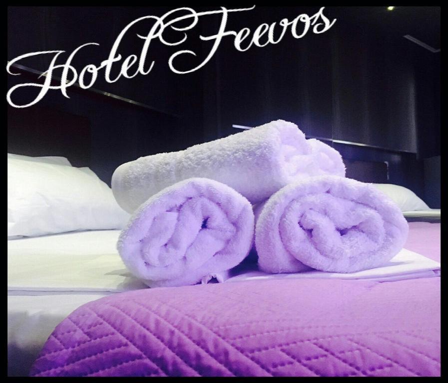 Отель Feevos, Пирей