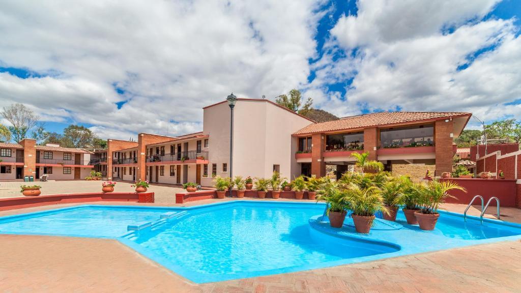 Отель Villas del Sol Hotel & Bungalows, Оахака-де-Хуарес