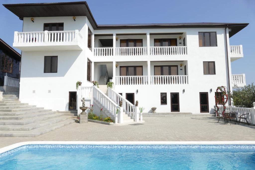 Лучшие отели Нового Афона у моря