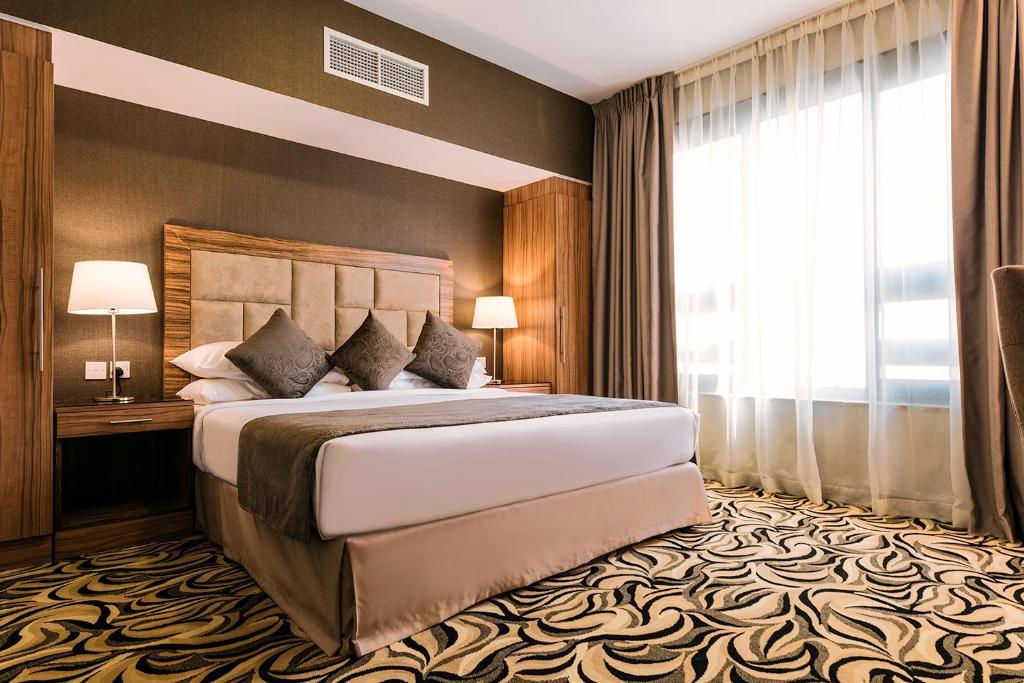 Emirates Plaza Hotel, Абу-Даби, ОАЭ
