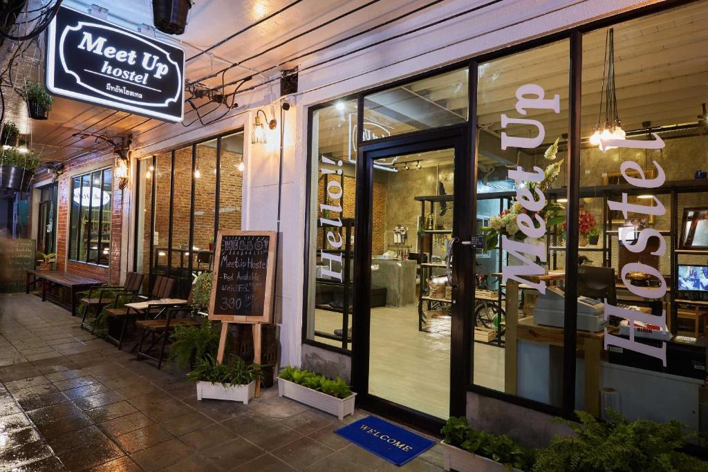 Хостел Meet Up Hostel Bangkok, Бангкок