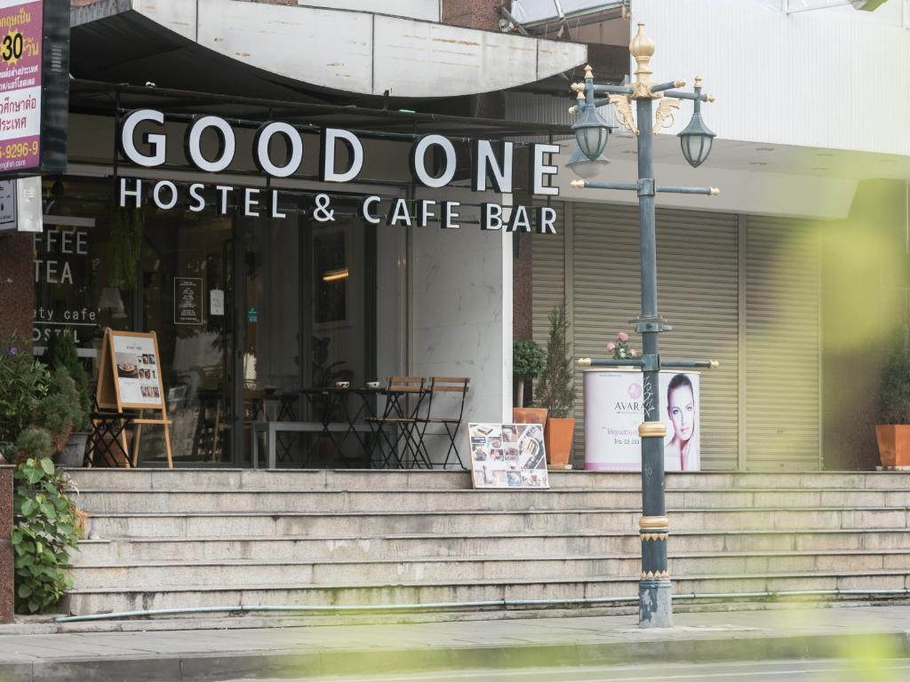 Хостел Good One Hostel & Cafe Bar, Бангкок