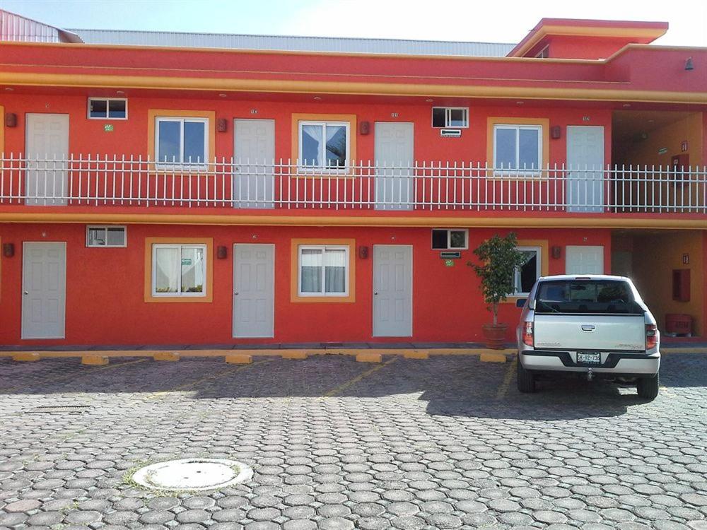 Отель La Quinta Puebla, Пуэбла