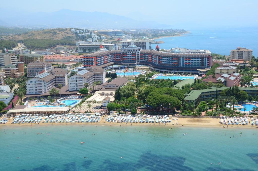 Курортный отель Lonicera World, Авсаллар, Турция
