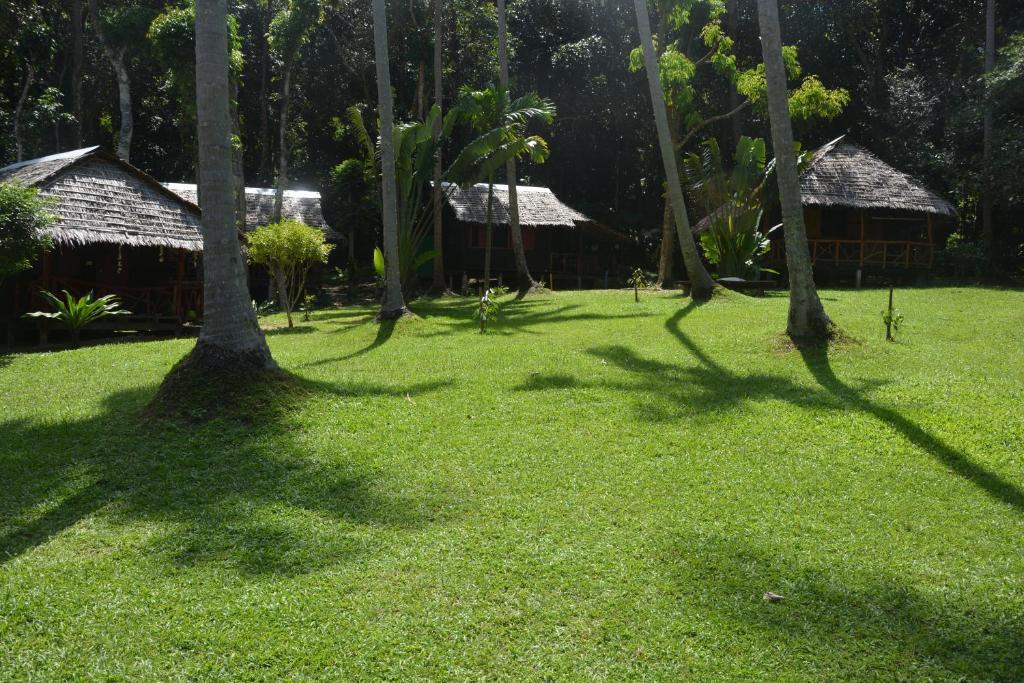 Гостевой дом Paradise Lost Resort, Ко Крадан