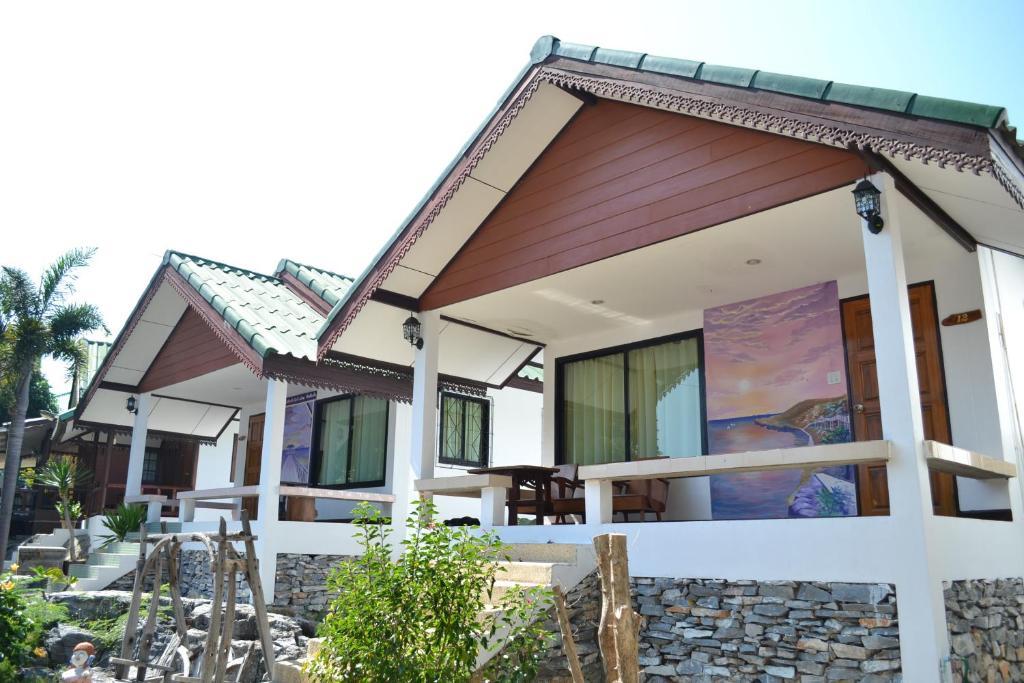Курортный отель Benjaporn Bungalow, Ко Сичанг