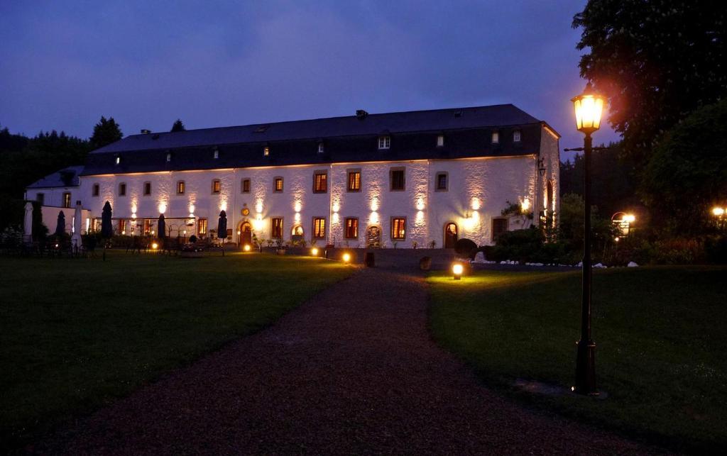 Hostellerie Le Prieuré De Conques, Сент-Юбер, Бельгия