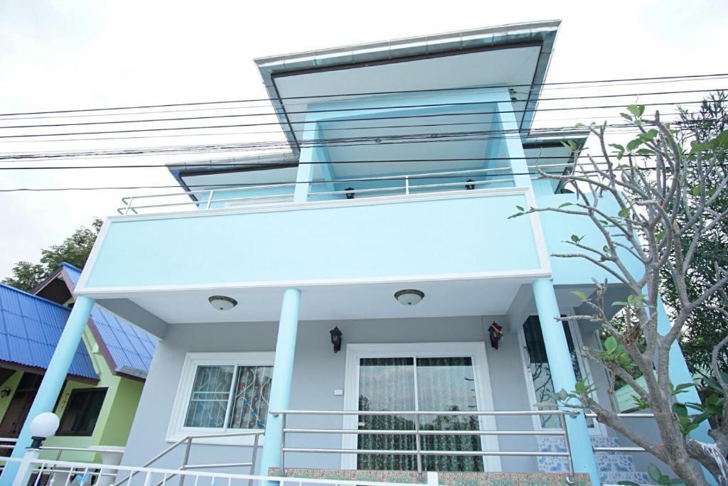 Гостевой дом Plaifah Bungalow Koh Sichang, Ко Сичанг