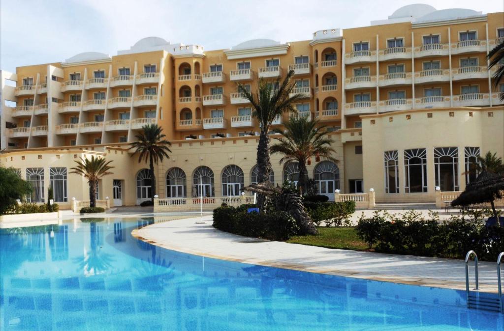 Отель L'Atrium Yasmine Hammamet, Хаммамет