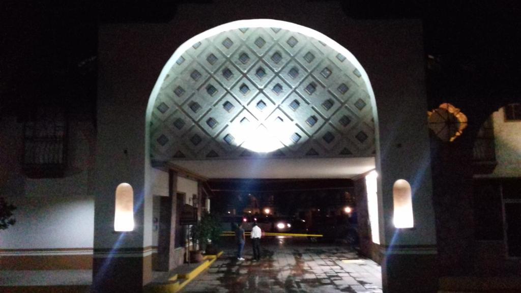 Отель Hotel Los Arcos, Дуранго