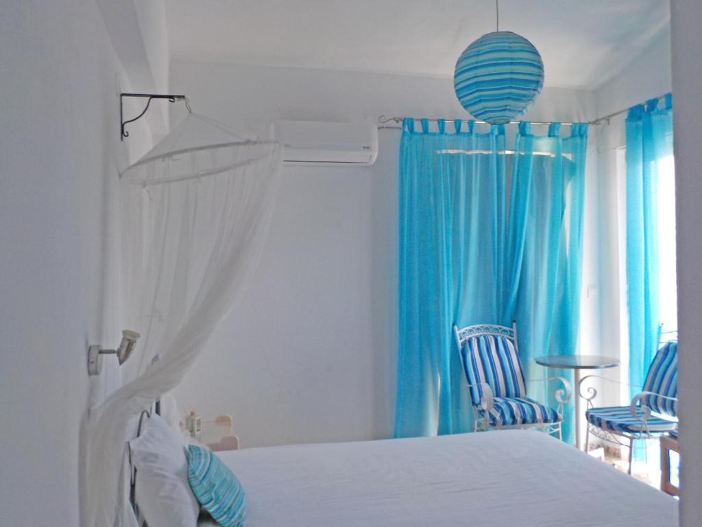 Апартаменты Vivian Studios, Ялиссос