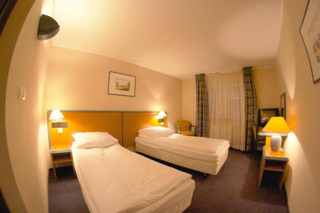 Hotel TenisHouse, Варшава, Польша