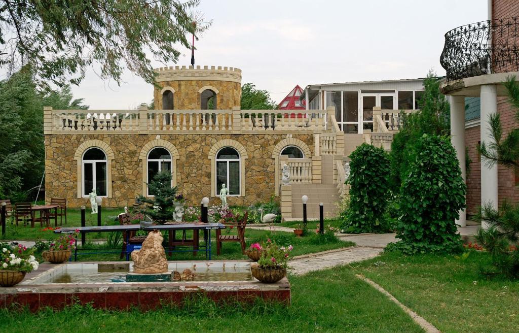 База отдыха Замок, Хмелевка