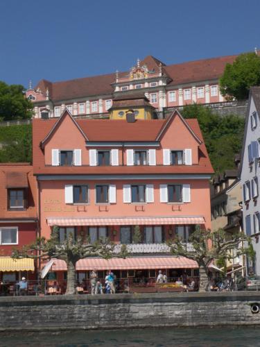 梅尔斯堡湖滨咖啡厅酒店